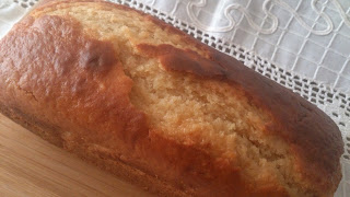 Bizcocho de queso y mermelada de ciruela Desayuno merienda postre Jugoso tierno esponjoso tradicional En el horno Cuca