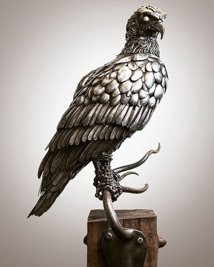 17-Osprey-Alan-Williams-Animals-Sculptured-with-Recycled-and-Upcycled-Metal-www-designstack-co
