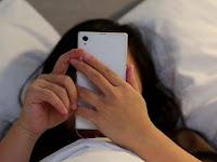 Begadang Sambil Main Ponsel, Wanita Ini Ditemukan Tewas Sambil Memegang Ponsel, Tak Disangka Kebiasaan Itu Bisa Sebabkan Penyakit Tak Terdeteksi Ini..