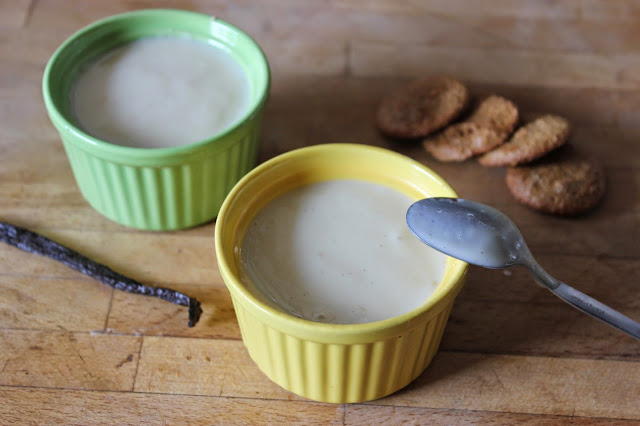 https://cuillereetsaladier.blogspot.com/2014/09/petites-cremes-dessert-la-vanille-facon.html