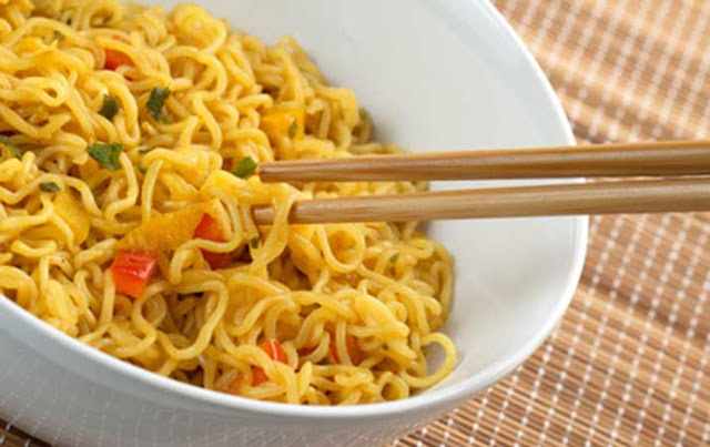 due to eating instant noodles before going to bed, the danger of instant noodles made of rice, instant noodles brand harmful, the benefits of instant noodles, instant noodles danger to children, the brand of instant noodles, instant noodles the most delicious in the world, the content of instant noodles,