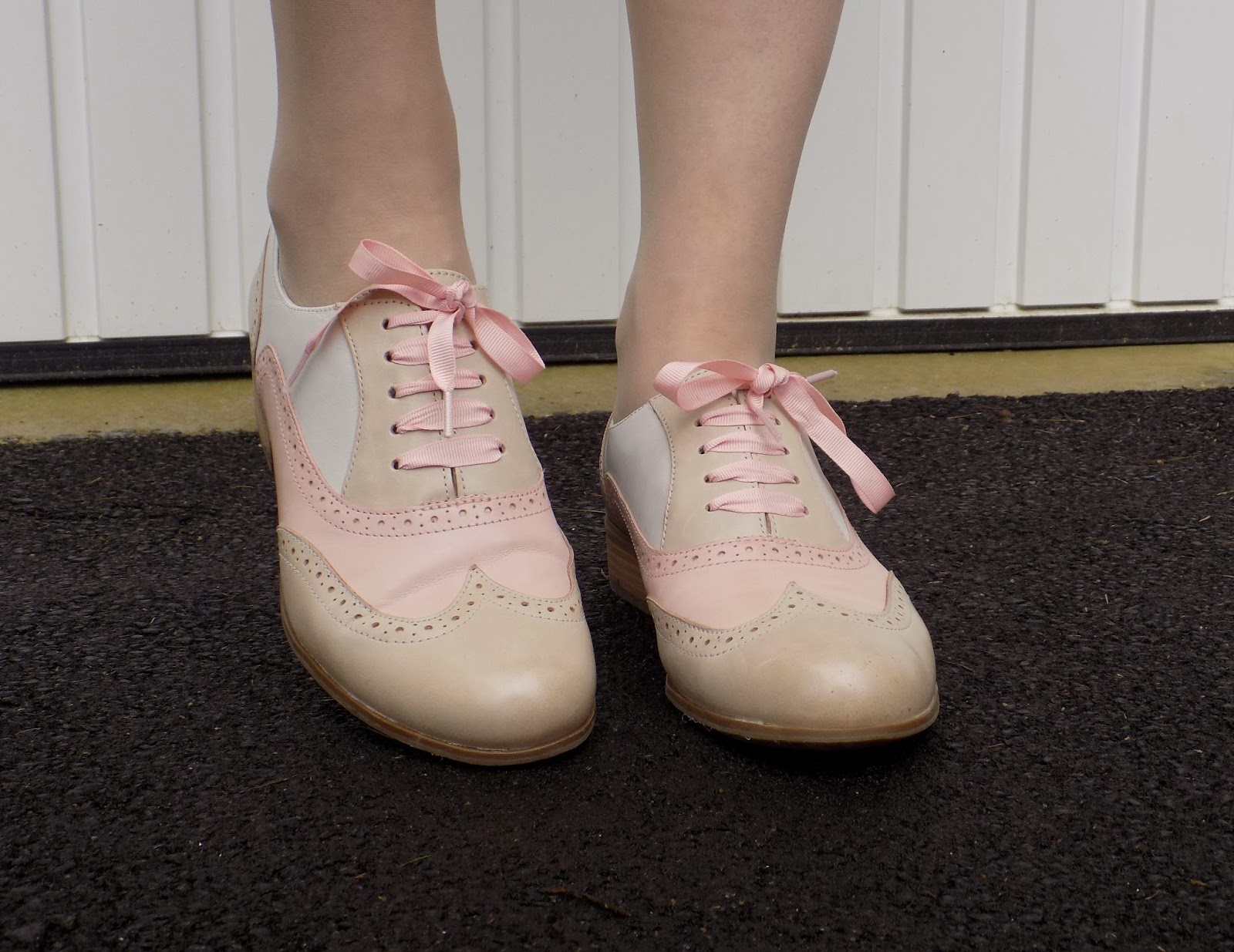 Clarks Hamble Oak pink brogues with ribbons