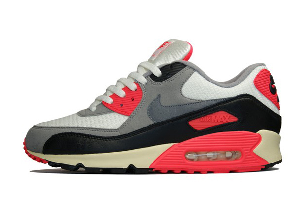 e442fd5b9669cb Nike s Air Max 90 has been re-released in a classic OG edition. The  multi-layered upper features a collage of black
