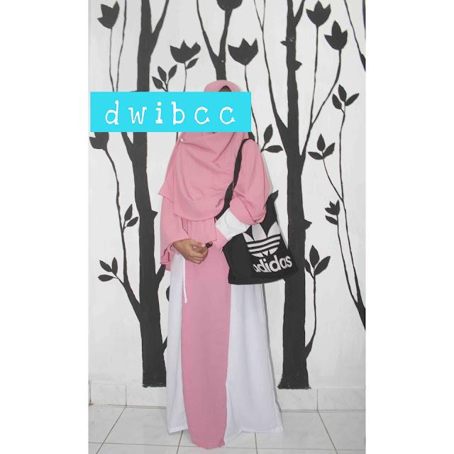 Foto dwibcc Pake Hijab Syari Warna Pink