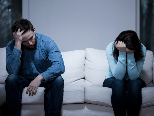 "PLEASE HELP:- ""I'm Dating A Girl I Don't Love, How Can I Break Up With Her Without Hurting Her?"""