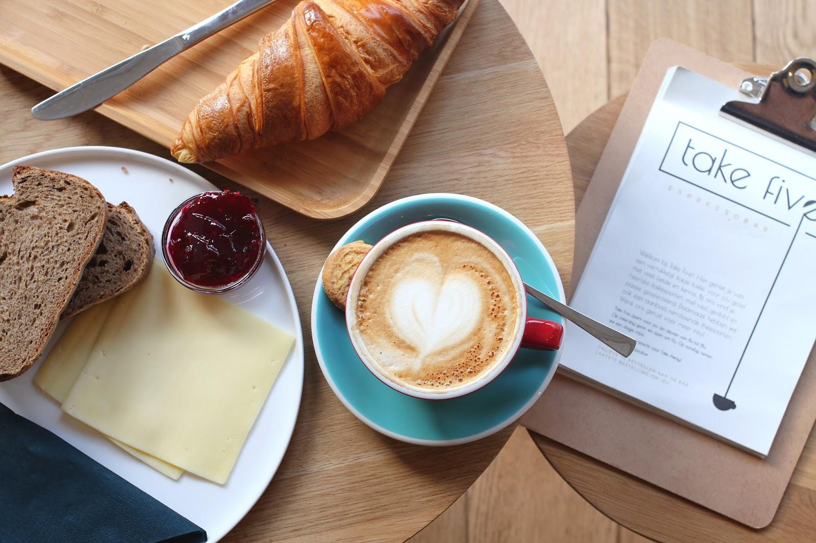 5 favorite coffee spots in Ghent