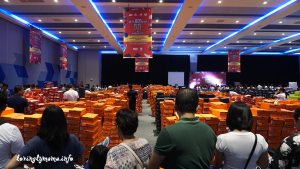 The Sports Warehouse Big Big Sale - SMX Convention Center -SM City Bacolod