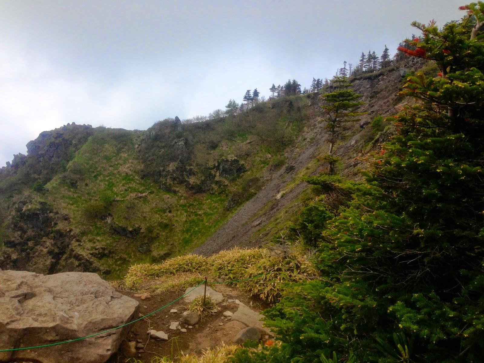 浅間山の尾根道