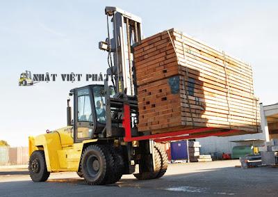 Xe nâng Hyster 15.0 tấn