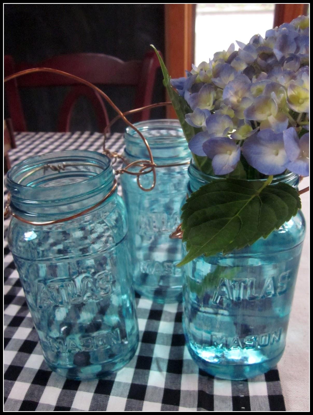 Painting Blue Mason Jars   Homeroad