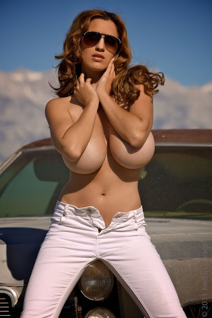 Jordan-Carver-nude-tits-photoshoot-car-dump-image-3
