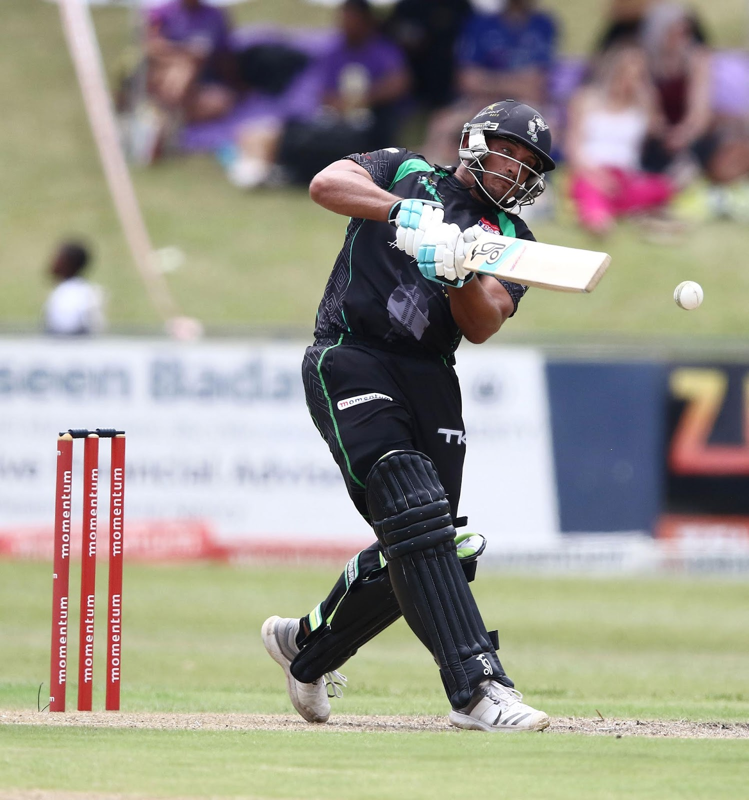 Vaughn van Jaarsveld - Batting for the Hollywoodbets Dolphins in the Momentum One Day Cup