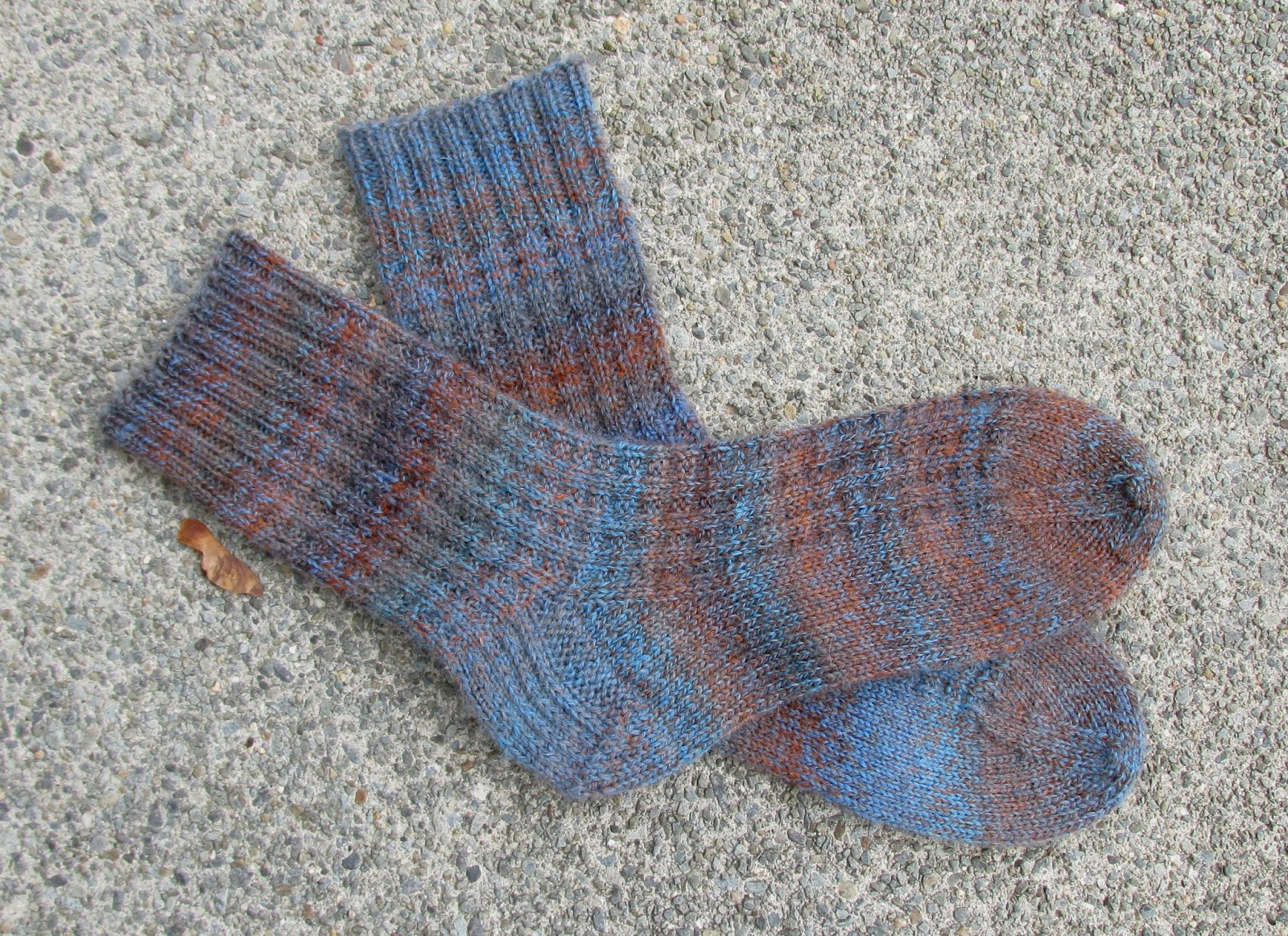 vanilla latte socks in deborah norville serenity sock yarn aquamarine there are a christmas gift as well details here
