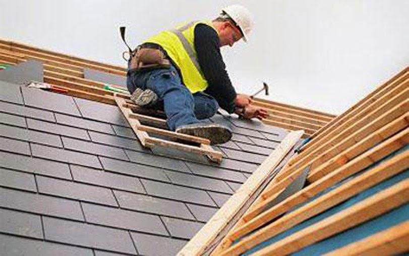 Memperbaiki Kebocoran Atap Rumah Minimalis