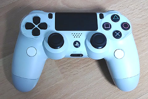 White PS4 Dual Shock with added push buttons for L3 and R3