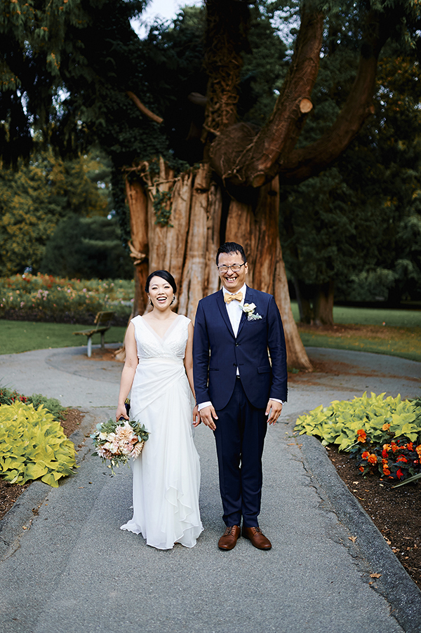 Vancouver beauty, life and style blogger Solo Lisa gets married in her hometown with a ceremony in Stanley Park and a dinner reception at Chambar.