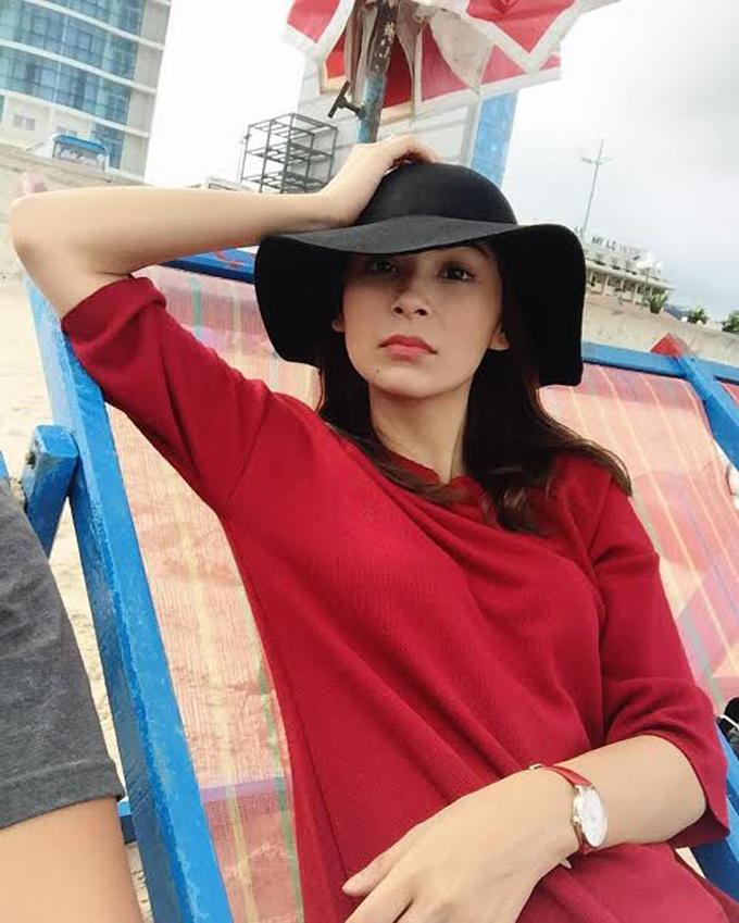 Foto Seksi Dahlia Shazwan - Wanita Trivago Terkenal di Malaysia dan Indonesia