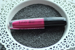 Review: 3x LOVlicious Caring Volume Gloss Nr.120 Breathtaking Berry - www.annitschkasblog.de