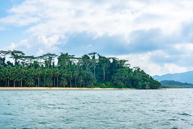 White-Sand-Beach-Port-Barton-Palawan-Philippines