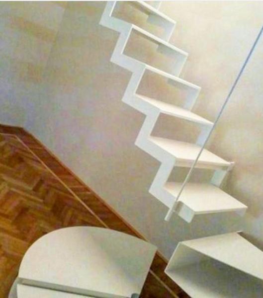 101 planos de casas 10 dise os de las escaleras flotantes for Escalera madera decoracion