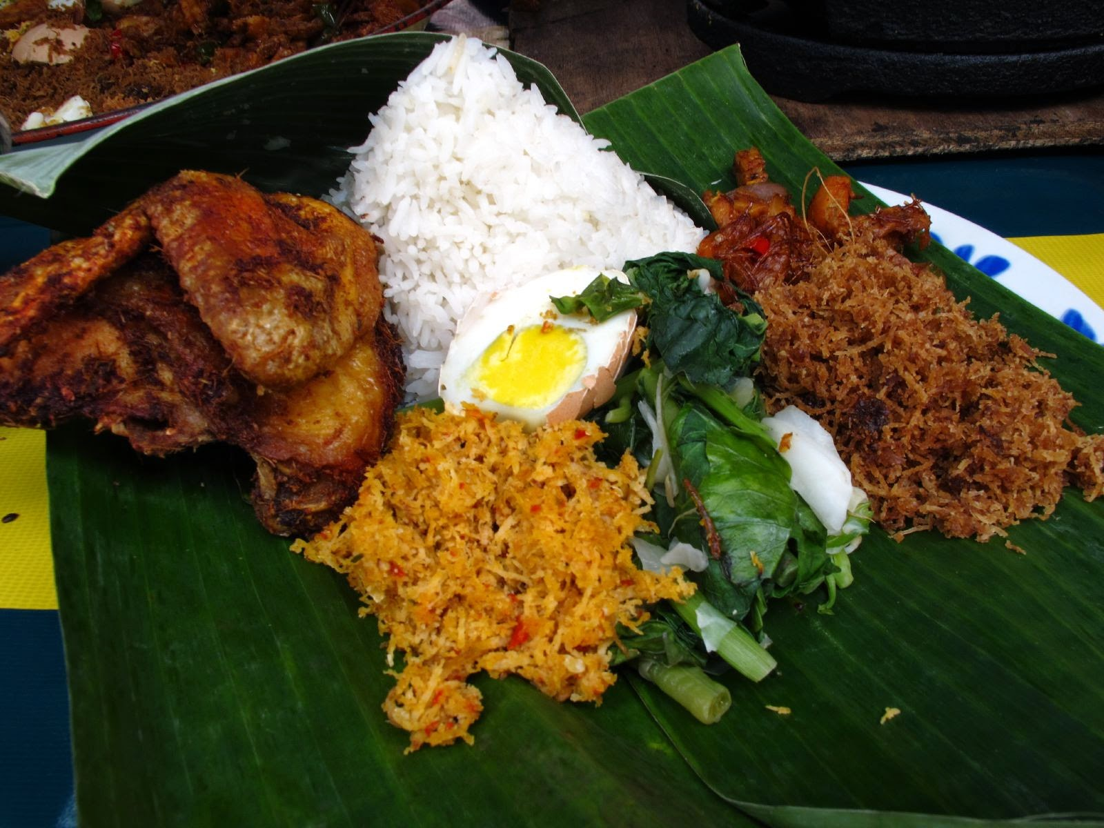 5th Food : Nasi Ambeng