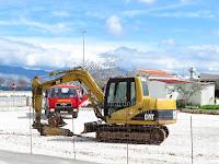 Radovi na uređenju platoa bivše benzinske stanice Supetar slike otok Brač Online