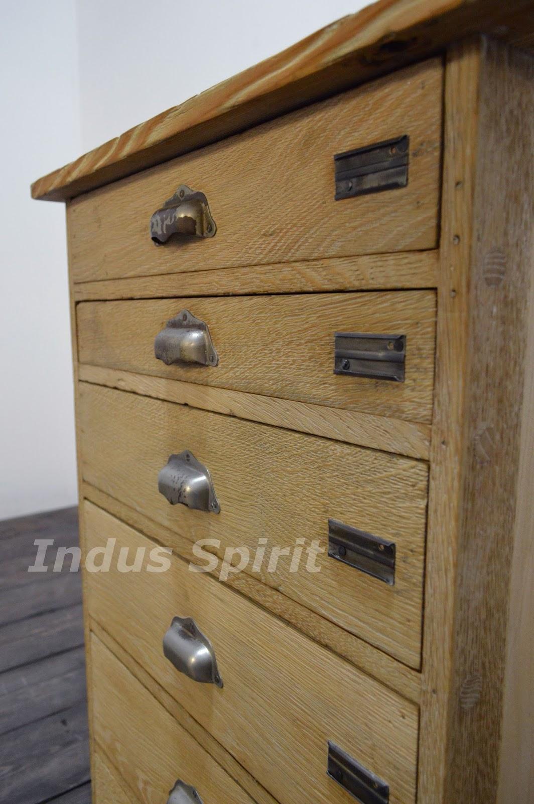 meuble de m tier ancien. Black Bedroom Furniture Sets. Home Design Ideas