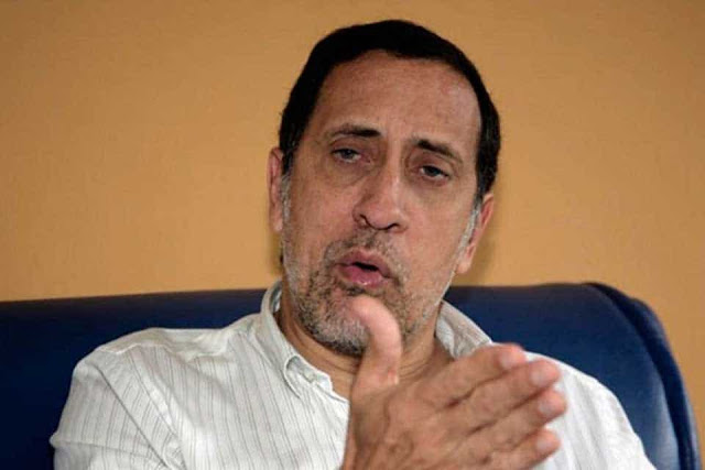 José Guerra pide posponer la reconversión monetaria