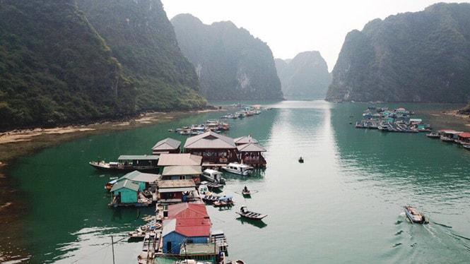 Chiêm ngưỡng làng chài đẹp nhất thế giới trên vịnh Hạ Long -3