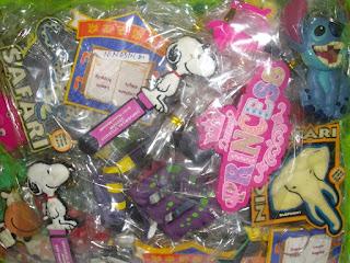 gantungan kunci bola smile, gantungan kunci kartun, Gantungan kunci murah,souvenir gantungan kunci murah,souvenir pernikahan gantungan kuncisouvenir pernikahan gantungan kunci wayang.