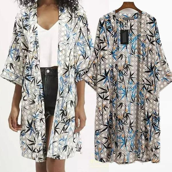 Model Cardigan Batik Panjang Wanita Modern