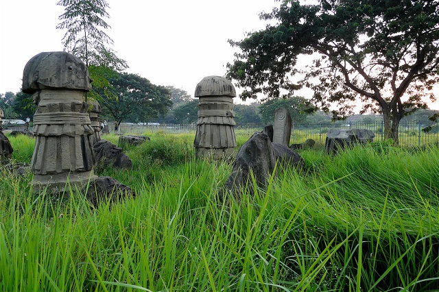Kachari Ruins has various monoliths that reflect the rituals of the fertility cult.