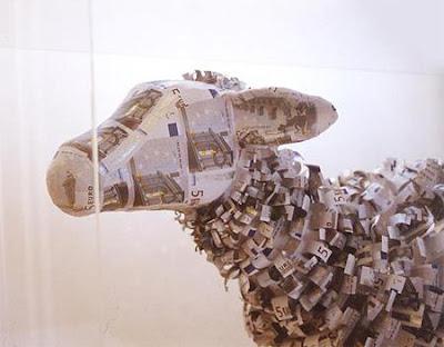 Arte y origami con billetes