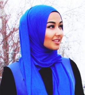 4 Tips Memilih Warna Hijab Yang Tepat Dengan Warna Kulit Anda