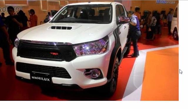 Mobil Toyota Hilux