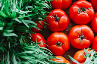 Eat Tomatoes for healthy skin