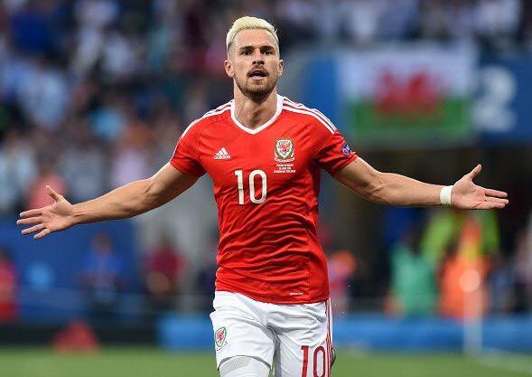 Ramsey está na França