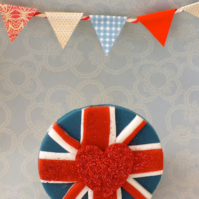 DIY Union Jack Cupcake Topper