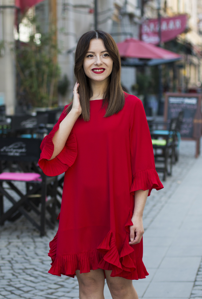 spring look red dress