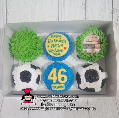 Cupcake Buttercream Bola Untuk Anak Cowok