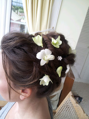 Wedding Trial in Aberdeen with real flowers in her wedding hair