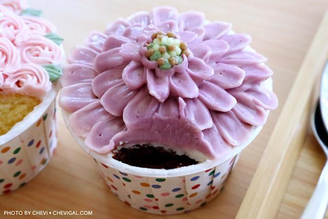 IMG 2277 - 逢甲商圈│LUSI CAFE。逢甲甜點店新開幕,精緻韓式奶油杯子蛋糕美到冒泡