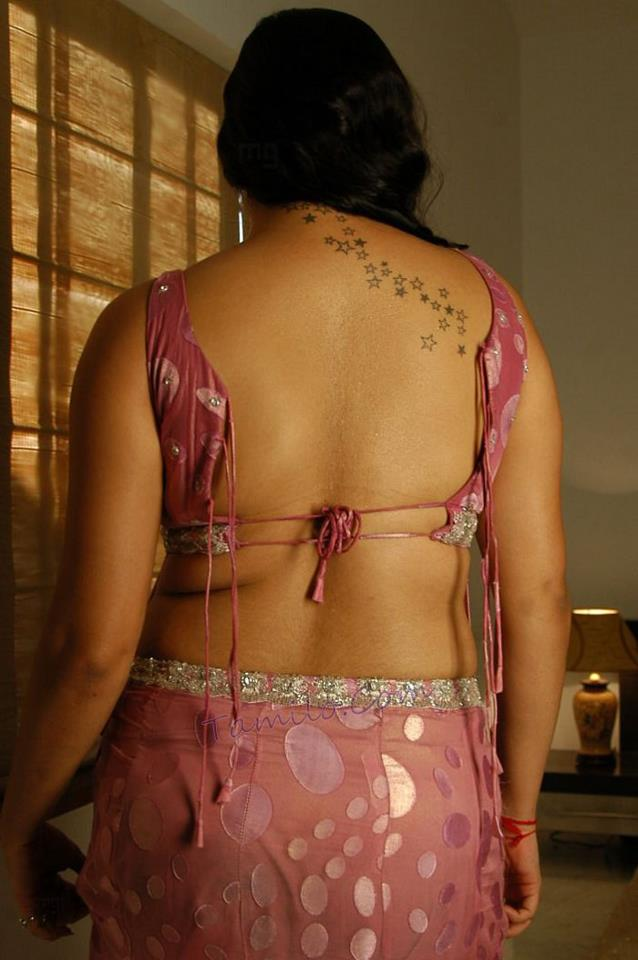 Indian actress kitu gidwani topless in french movie black - 4 6