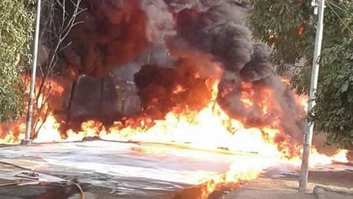 فيديو حريق إدفو اليوم فى أسوان تخمده هليكوبتر الجيش