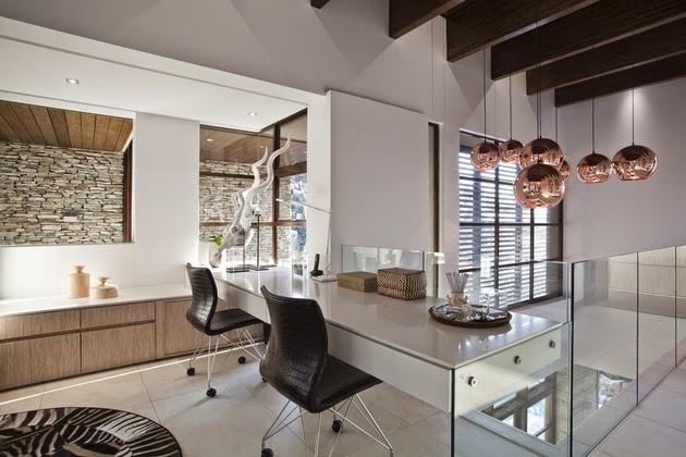 ini dibentuk untuk membuat sebuah rumah harapan yang dilengkapi dengan unsur air sebagai Rancangan Desain Rumah Mewah dengan Kolam Renang
