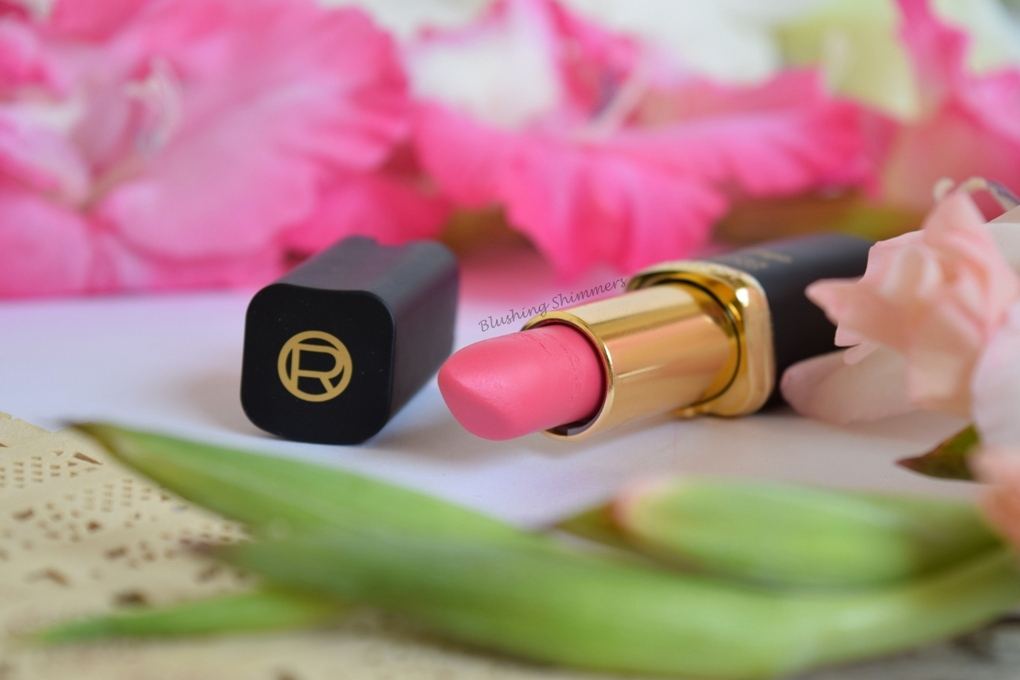 L'Oreal Paris pink star collection Lipstick : Aishwarya's Delicate Pink