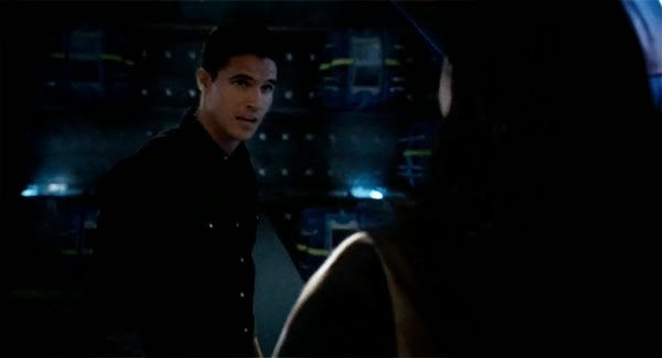 "Robbie Amell en ""The Flash 1x03"""