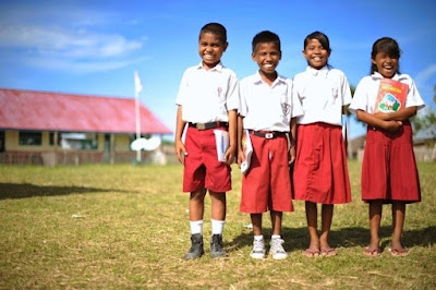 Kumpulan Contoh Pantun Tema Pendidikan Anak Sekolah Terbaik