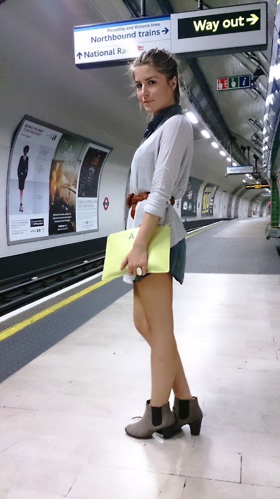 Style Trunk Outfit Shirt Dress Jumper Cinched With A Belt