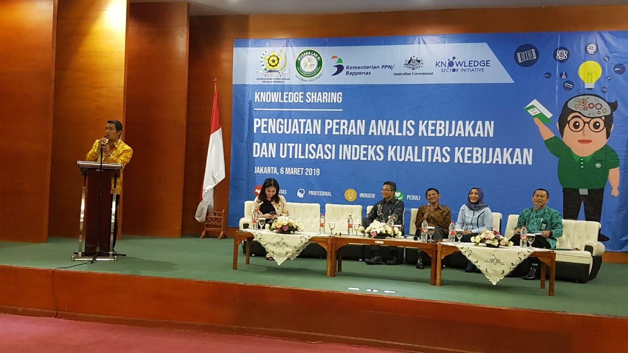 Wali Kota Pematangsiantar H. Hefriansyah terima penghargaan  yang diberikan Lembaga Admininistrasi Negara